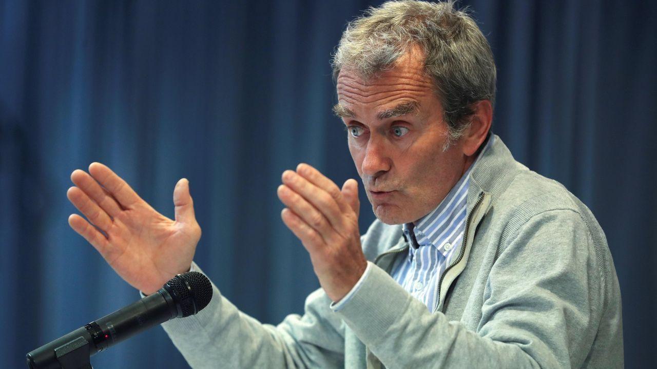 EN DIRECTO: Fernando Simón ofrece los últimos datos de la pandemia en España.El ministro Marlaska, en una visita a la Agrupación de Tráfico de la Guardia Civil