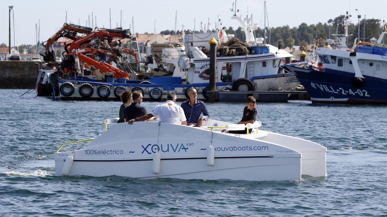 Primer día con la Ronda cerrada.Una presentación del barco eléctrico Xouva 4.9 en A Pobra do Caramiñal en el 2019