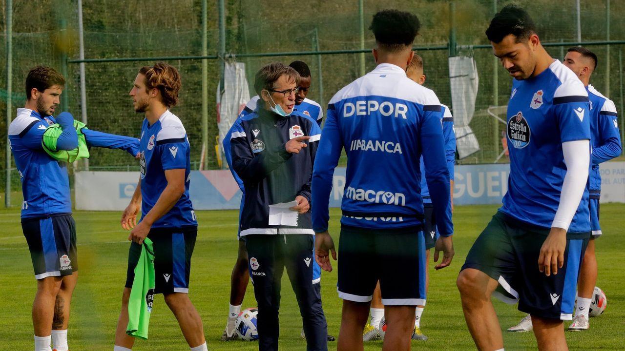 Mosquera y Guerrero (en el centro, durante el entrenamiento de ayer) entraron en la lista para Zamora