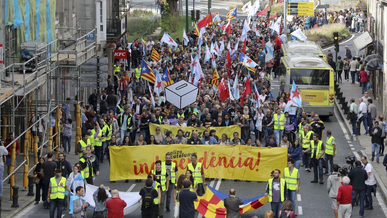 Manifestación en Santiago a favor del referendo.Concentración por la unidad de España en Santiago