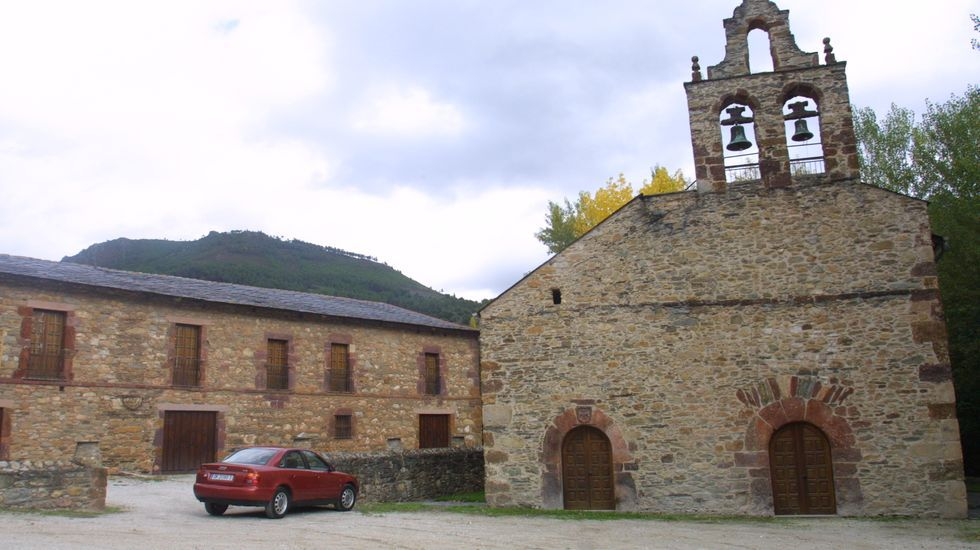 O Barco mejorará el entorno de la iglesia de Xagoaza