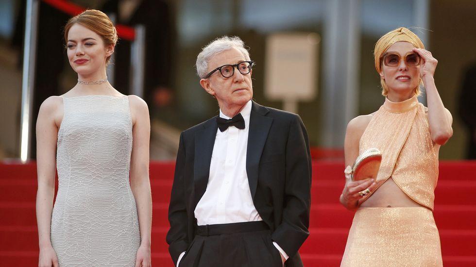 Emma Stone, Woody Allen y Parker Posey, en la alfombra roja de Cannes