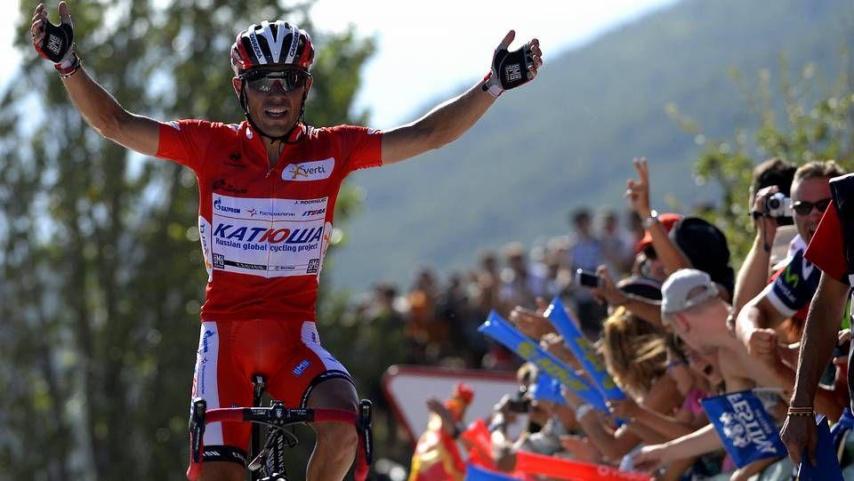 El paso de la Vuelta a España por Galicia.Un aficionado belga, en la ladera de la montaña.