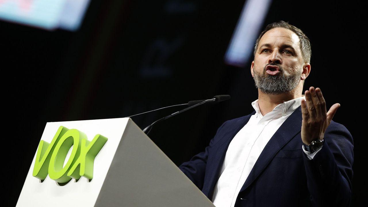 Iceta y Darias juran sus cargos como nuevos ministros.El líder de Vox, Santiago Abascal