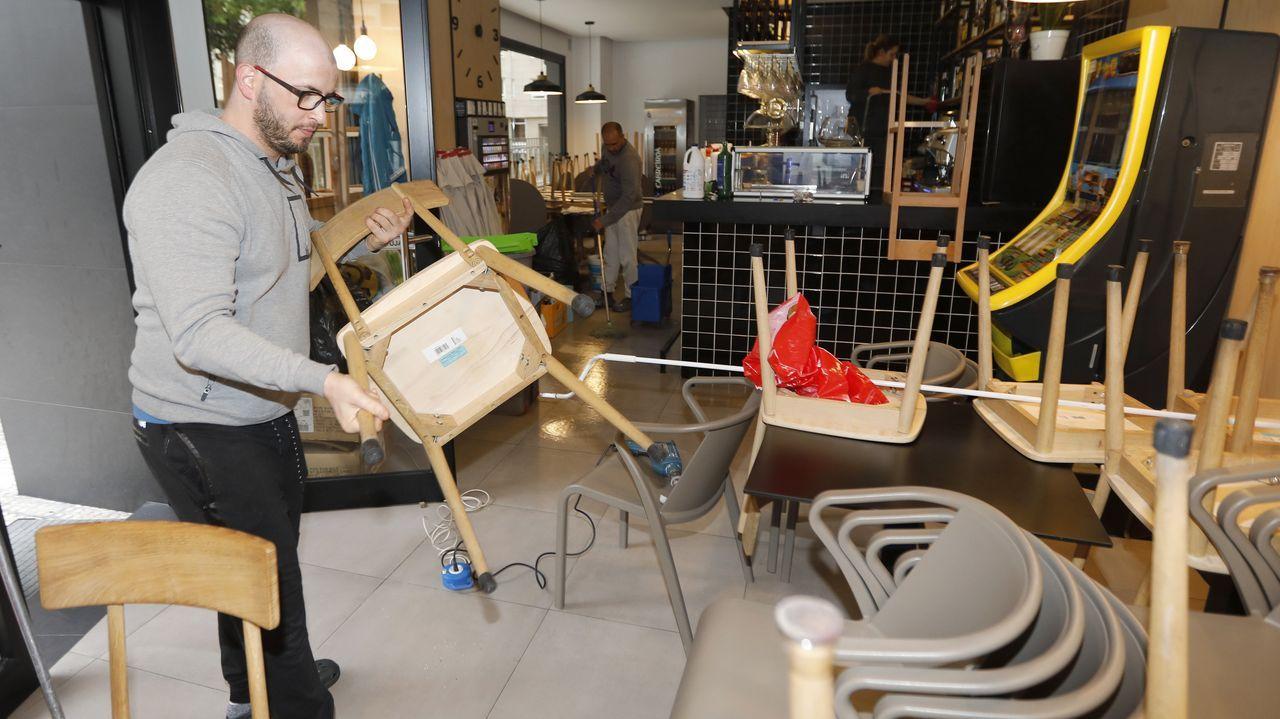 El interior de los bares resucita tras el covid-19