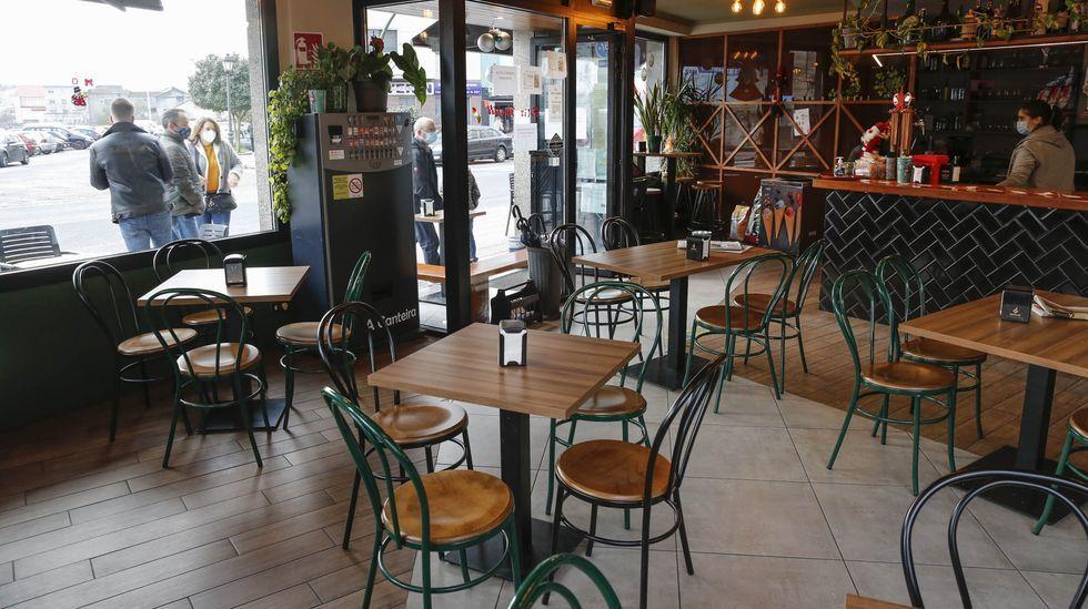 Los nuevos farmacéuticos de Ourense.Desde el pasado día 30 en Verín la hostelería solo puede servir en terraza