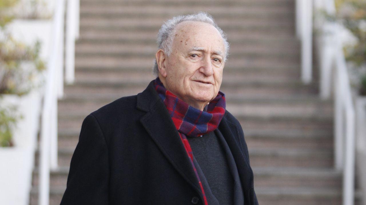 Llegada de César Adrio, supuesto asesino de Ana Enjamio, a los juzgados de Vigo.Cabina de peaje en la autopista AG-55, en Carballo