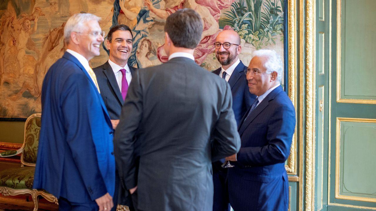 Aspirantes a dirigir los puestos más relevantes de la UE.Sánchez y Costa charlan con los mandatarios de Letonia, Bélgica y Holanda en la reunión informal del viernes