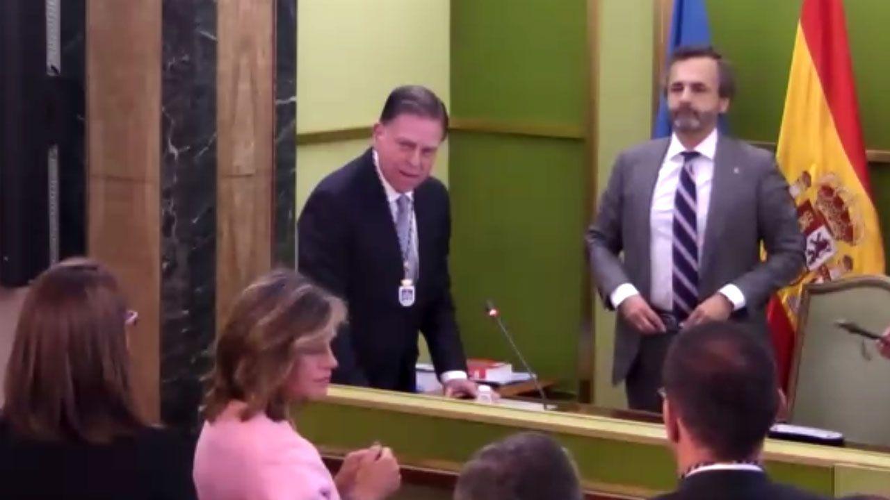 Alfredo Canteli jura su cargo como alcalde de Oviedo