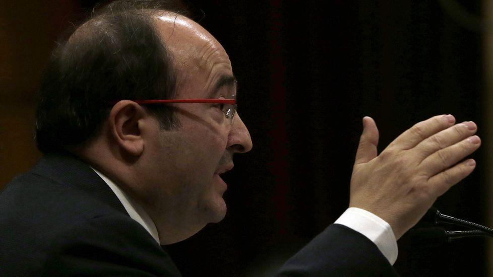 El líder del PSC, Miquel Iceta, ha dicho no a la «independencia, la ilegalidad y la investidura» de Carles Puigdemont (JxSí) como nuevo presidente de la Generalitat