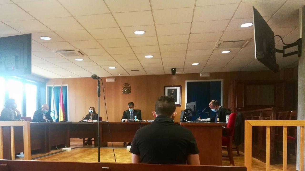 Abogador y procuradores reclamaron este viernes en Vigo más medios para la Justicia