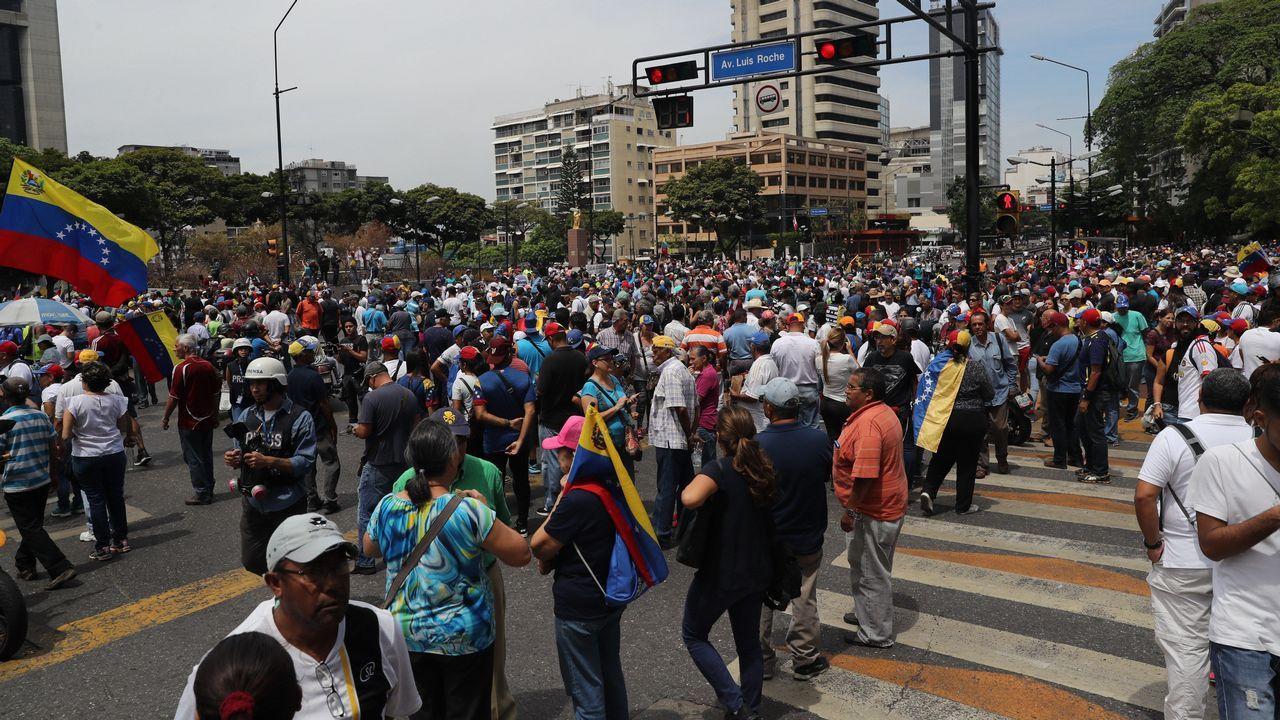 Cientos de manifestantes se han ido sumando a las manifestaciones convocadas en Caracas y en otros puntos del país