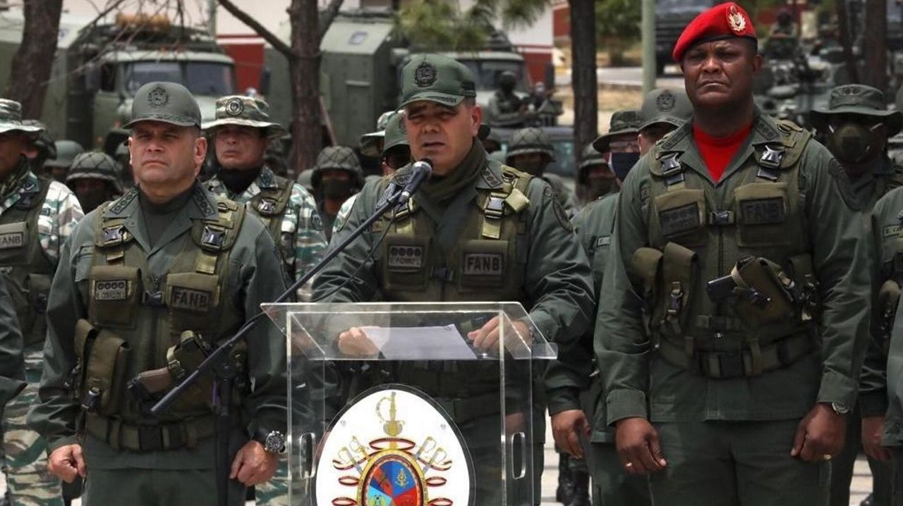 La pandemia en el mundo, en imágenes.El ministro de Defensa venezolano, Vladimir Padrino