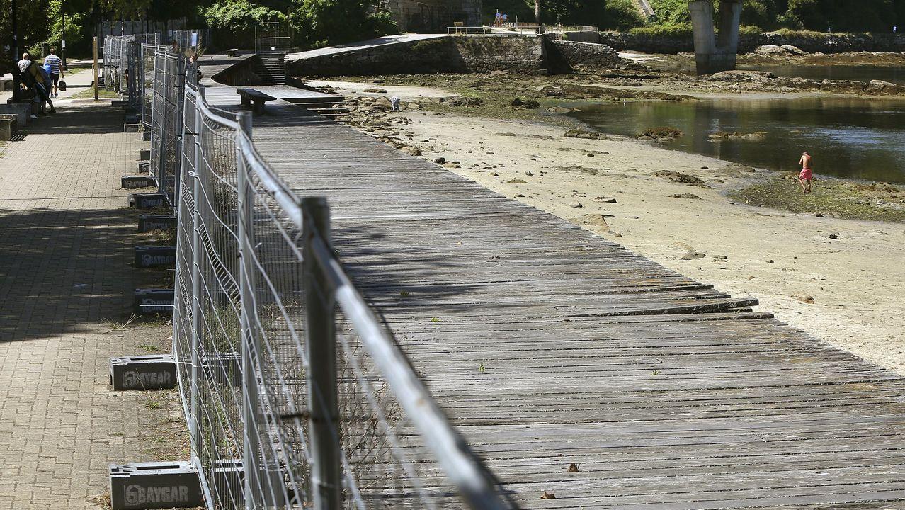 El paseo de Bouzas enfrenta a Concello y Puerto y se mantiene vallado desde el 2018