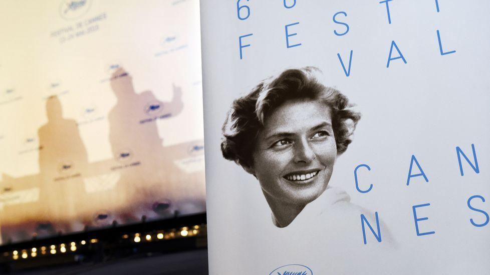 Lección de estilo en la alfombra roja de Cannes.Julianne Moore recibiendo su premio como mejor actriz que ganó en el anterior Festival de Cannes