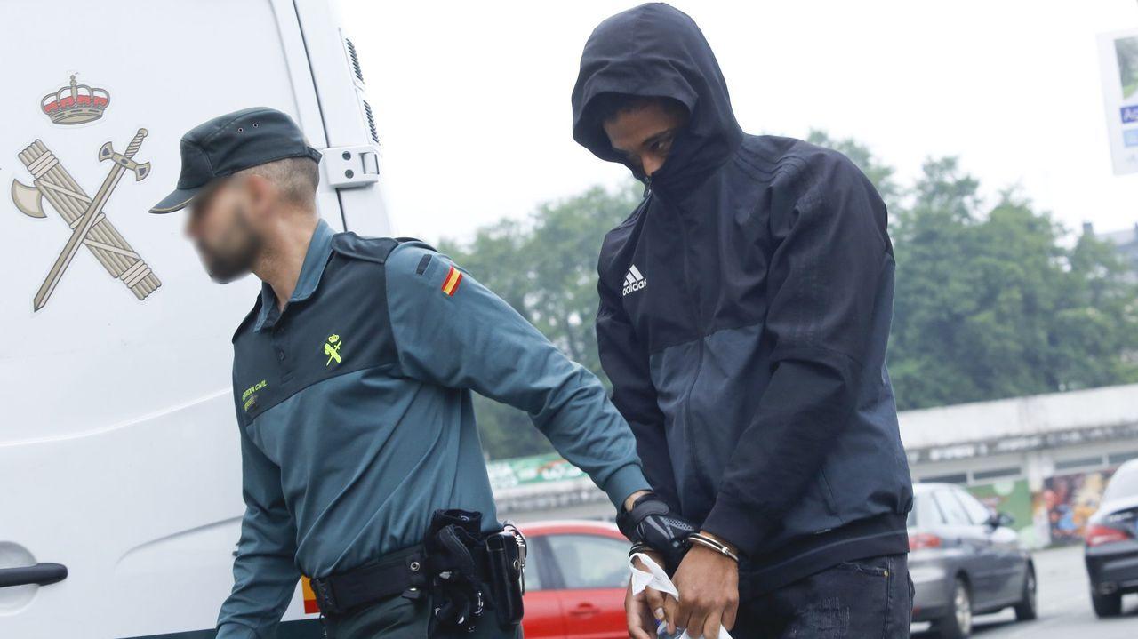 Julián Eduardo V. T. llega a los juzgados de Ordes tras ser extraditado desde Colombia