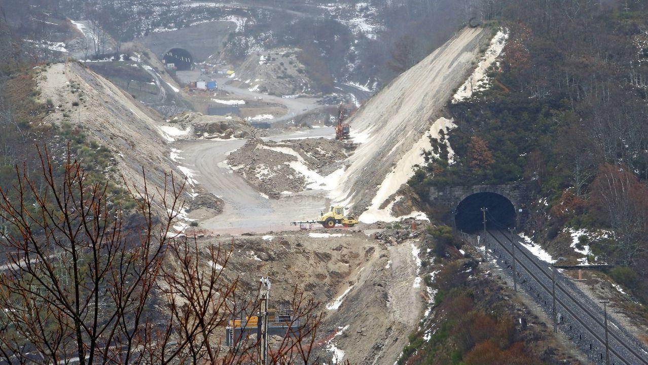 Arranca la construcción de la nueva estación de autobuses en el área ferroviaria.El ministro José Luis Ábalos, ayer, en el Congreso