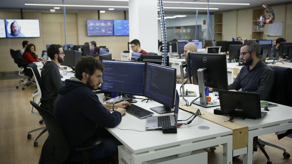 Galicia, a las puertas de la era de la robotización.Alegría en el bar O Muíño, en O Pino