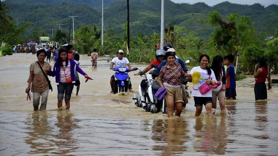 Visita a Filipinas pasada por agua