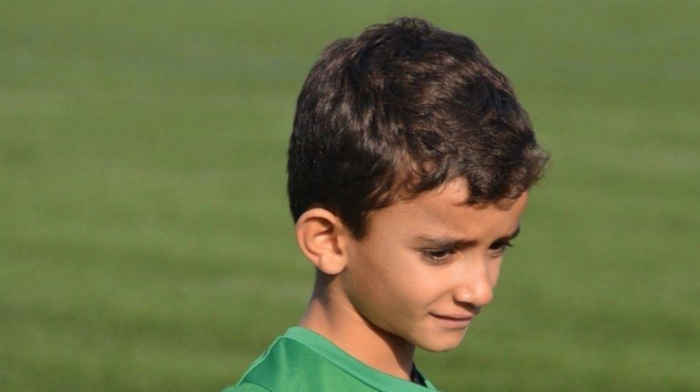 Hugo tiene seis años