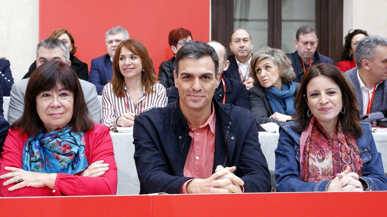 Juan Carlos Rodríguez Ibarra, junto a Felipe González, en la presentación de un libro.Presupuestos del Principado