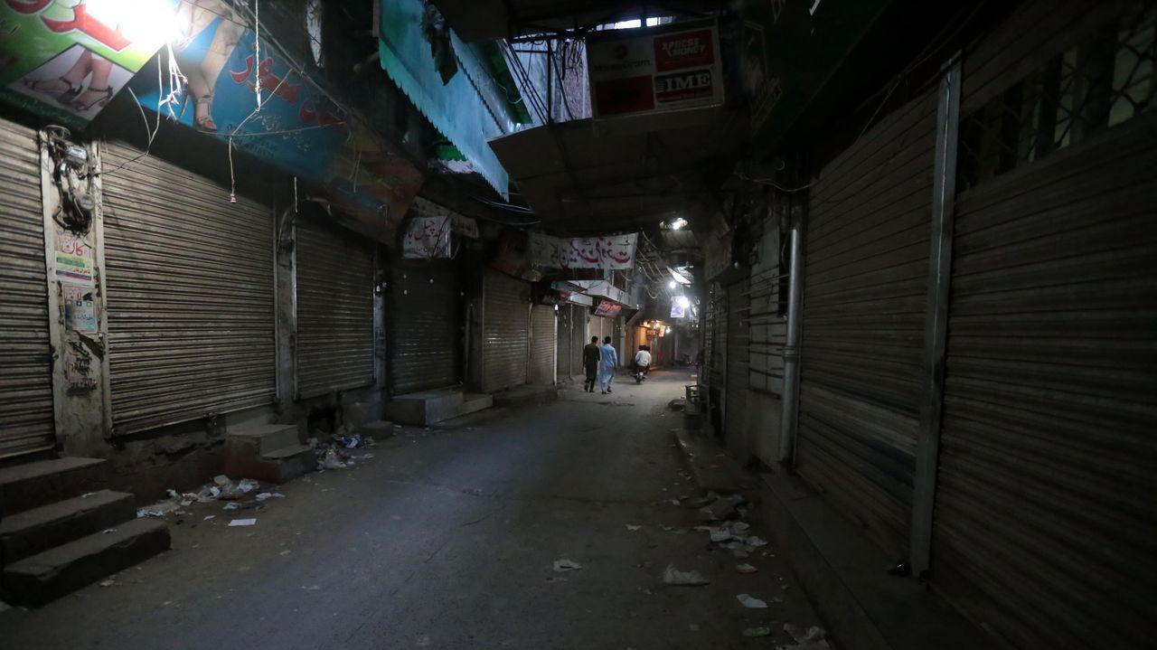 Mercado desierto en Pakistán