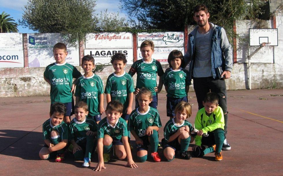 Uno de los equipos del San Tirso, el de categoría prebenjamín.
