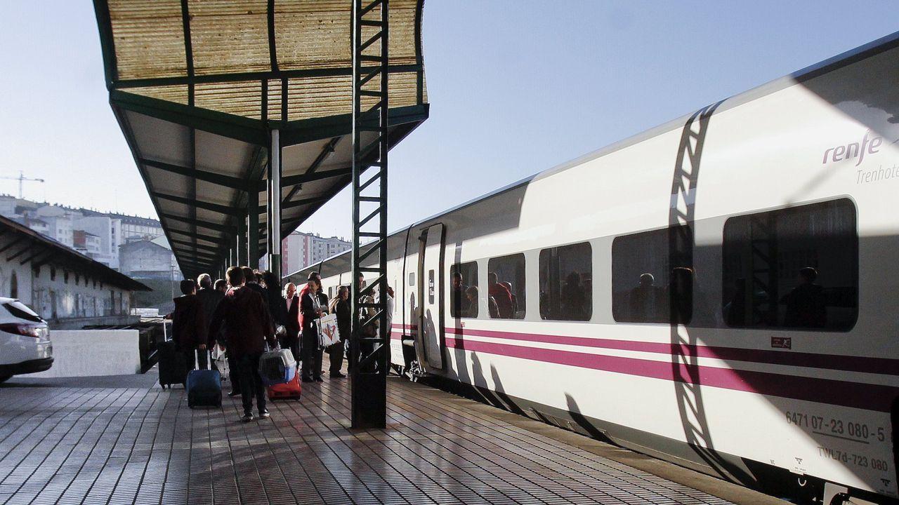 Tren hotel en la estación de Lugo