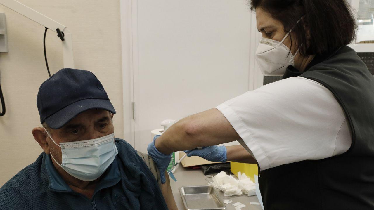 Vacunación en el centro de salud de Viveiro.Residencia de Ribadeo