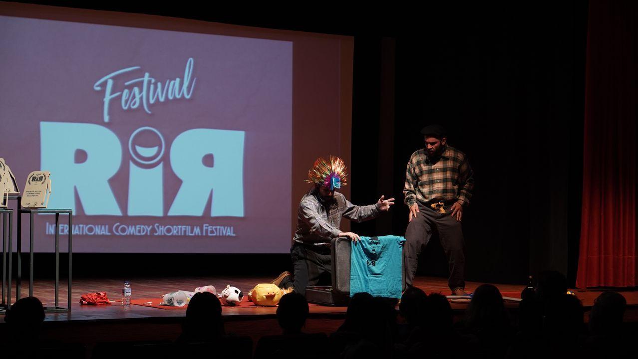 GALA DO FESTIVAL DE CORTOS DE COMEDIA RIR DE ALLARIZ.O Festival Internacional de Curtas de Comedia RIR celebrou a segunda edición en Allariz. Entregáronse premios a curtas de ficción, de animación  e documentais.