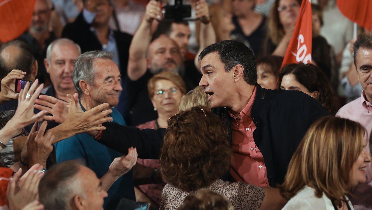La princesa y su hermana participan con los reyes en las audiencias en Oviedo.Pedro Sánchez dio a conocer en Alcorcón su  Plan para avanzar y vencer el bloqueo
