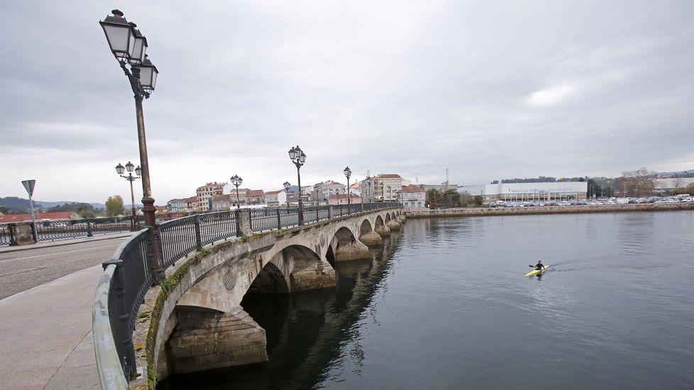 Manuel Rouco serácandidato de PP para las municipales en Burela.El presidente de Vox, Santiago Abascal