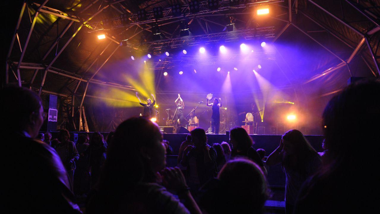 Público en el concierto de Tanxugueiras