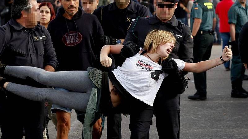 Pedradas contra los detractores.Protesta de esta mañana en Lugo