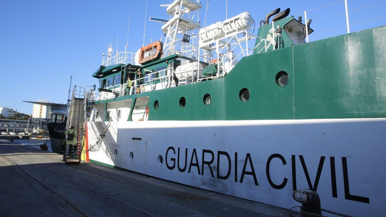 Lo nunca visto de un barco de Gran Sol en 46 fotos.Descarga de xarda en abril del año pasado, en Burela, en A Mariña lucense