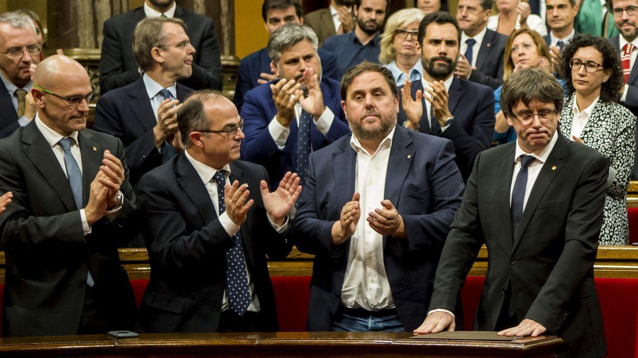Montilla: «España sin Cataluña no sería España. No estamos hablando de Ceuta y Melilla».María Luisa Carcedo