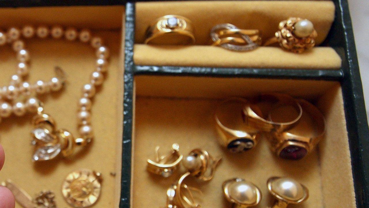 Imagen de archivo de unas joyas