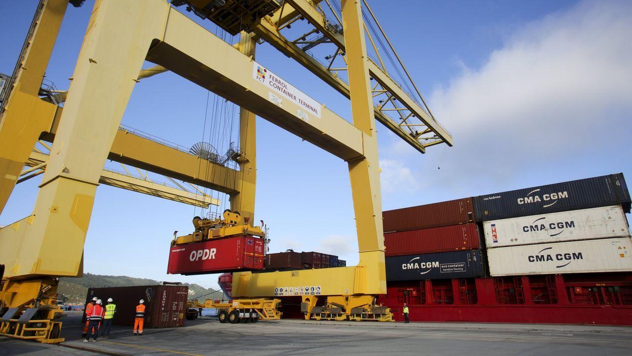 En el Puerto Exterior ferrolano opera una terminal de contenedores