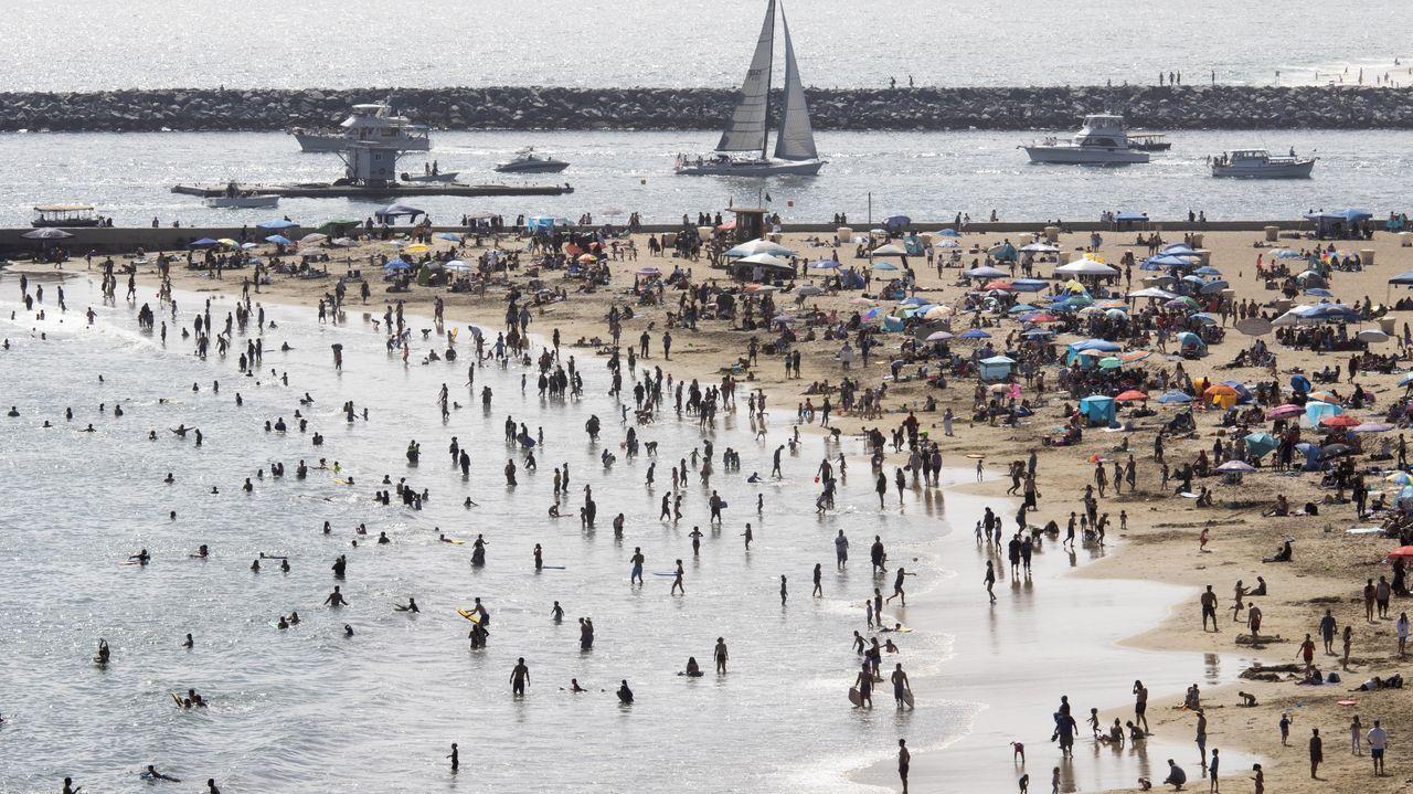 Cientos de personas en California durante el conocido como Memorial Day