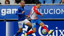 Ortuño y Cristian Salvador, durante el Oviedo-Sporting de la 19/20