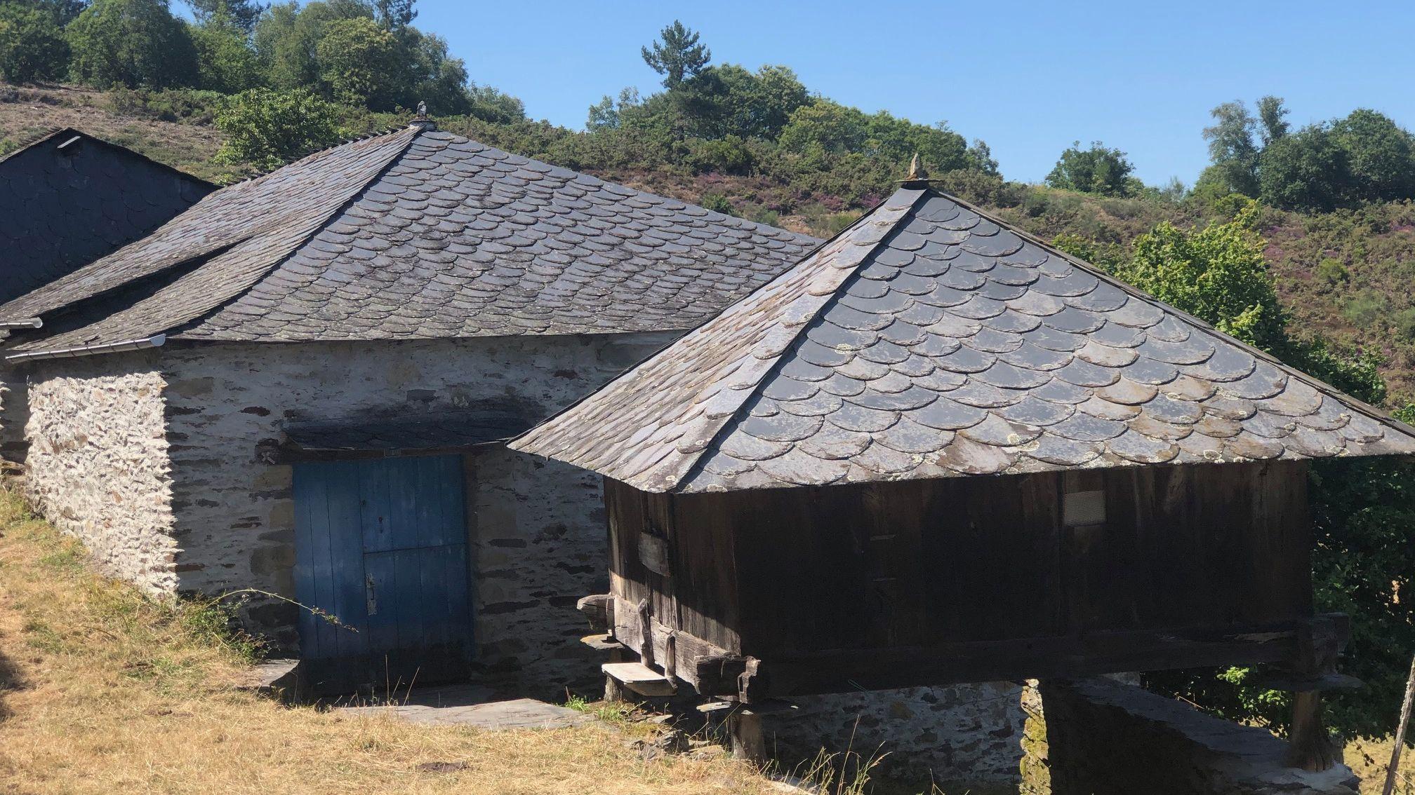 Inmuebles de la aldea en venta