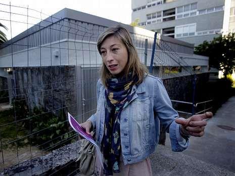 María Ferreiro, directora de Abac, ante la nueva sede.