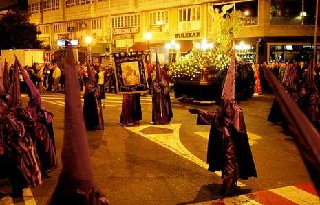Semana Santa de Ferrol 2013: Las imágenes de la Pasión.<span lang= es-es >Tradición</span>. La tradición está muy presente en los recorridos que llevan a cabo las cofradías de la comarca.