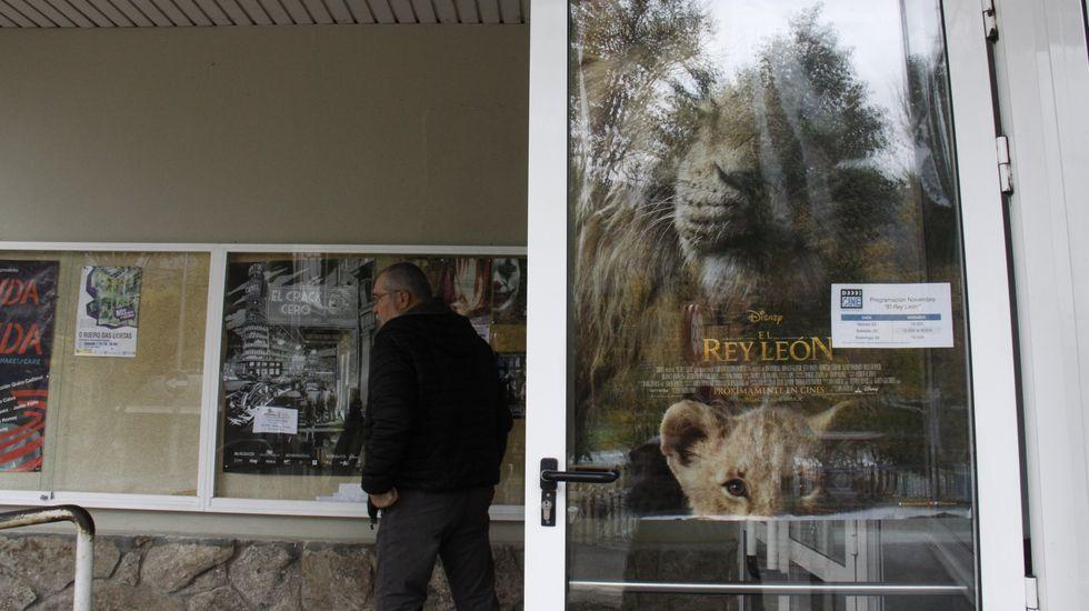 El teatro Lauro Olmo recupera el cine comercial