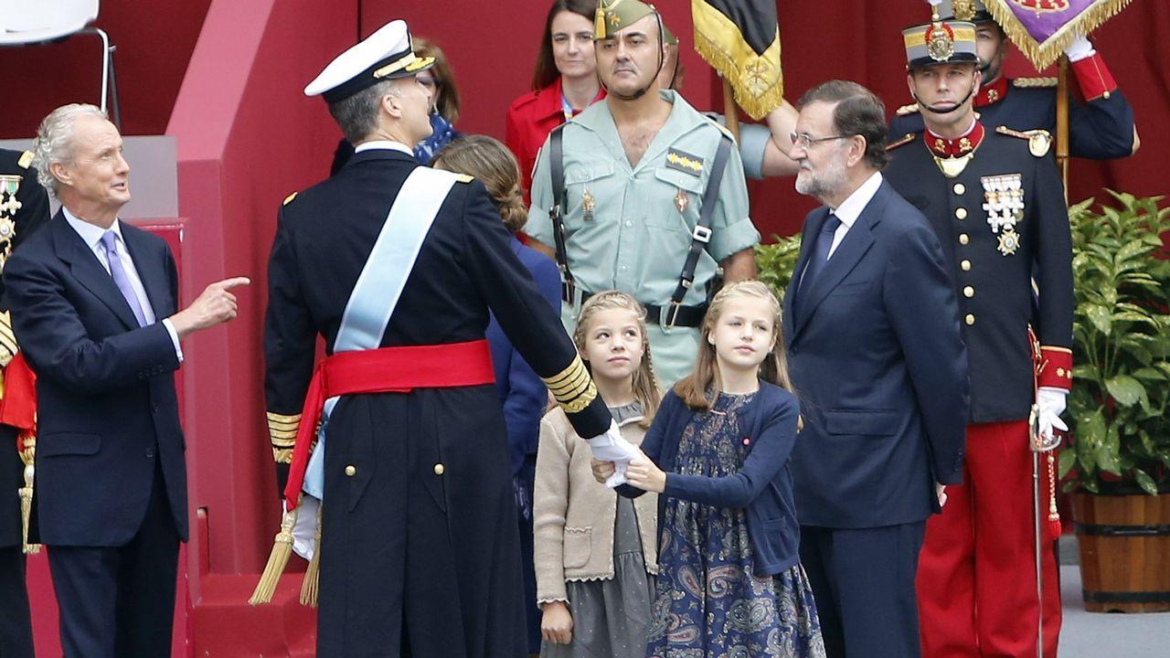 Felicitación de Navidad de 2015 de Sus Majestades los Reyes Don Felipe y Doña Letizia con una fotografía de Su Alteza Real la Princesa de Asturias y Su Alteza Real la Infanta Doña Sofía
