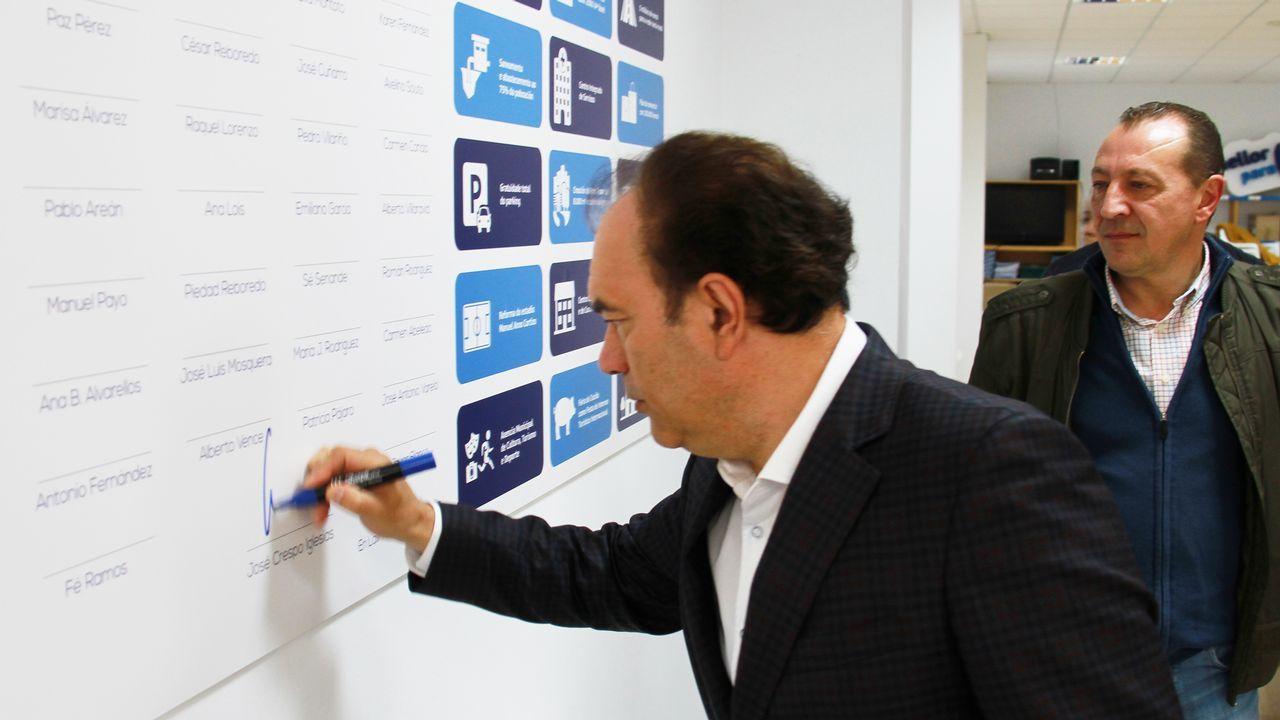 Crespo, candidato popular, en un acto electoral en el inicio de la campaña del 26M