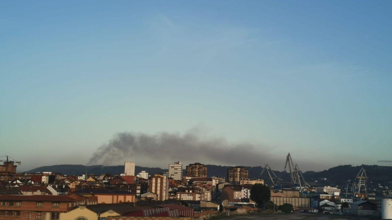Nube de partículas contaminantes en Gijón