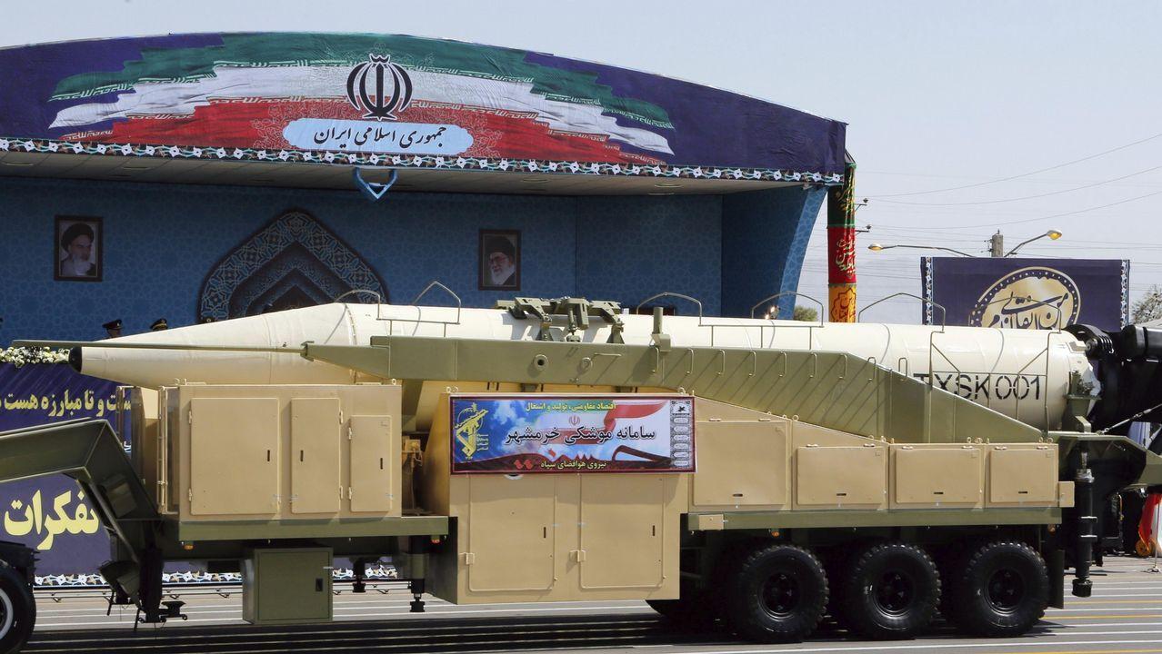 Misil presentado durante un desfile militar en Teherán