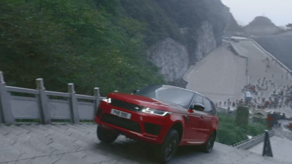 La «tortura china» del nuevo Range Rover.Fue recibido como una estrella en Santiago