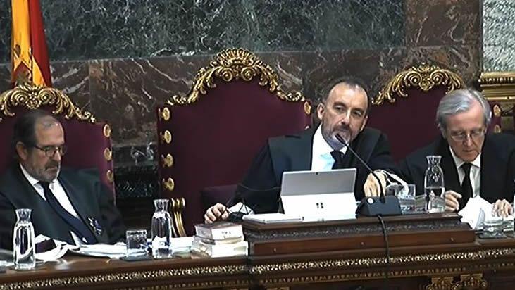 Las condenas a los líderes del «procés» suman 99 años de cárcel.Josep Borrel e Irene Lozano explicaron la trascendencia del fallo del Supremo al cuerpo diplomático